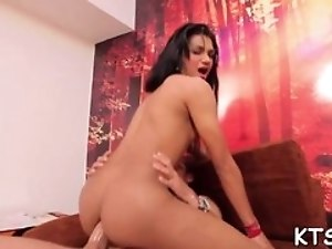 Tranny's ass craves for banging